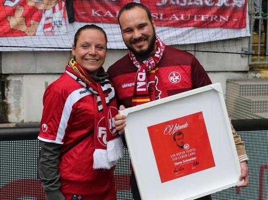 Ehrung lebenslange Mitglieder beim Spiel gegen Bielefeld