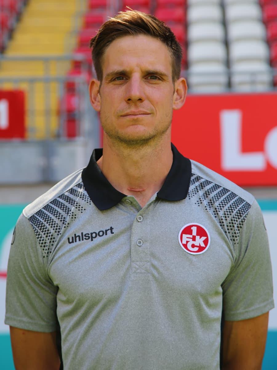 Portraitbild von Reha- und Athletiktrainer Bastian Becker Saison 2017/18