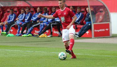 Julian Löschner am Ball beim Spiel gegen Pirmasens, 12. August 2017