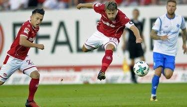 Daniel Halfar erzielt das 1:0 gegen Darmstadt