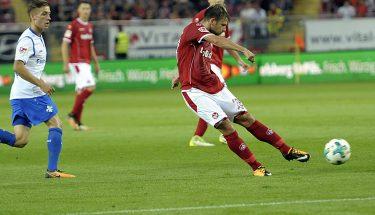 Danile Halfar mit einem Schussabschluss im Heimspiel gegen den SV Darmstadt.