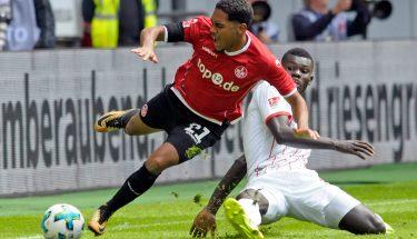 Phillipp Mwene wird beim Auswärtsspiel in Düsseldorf gefoult