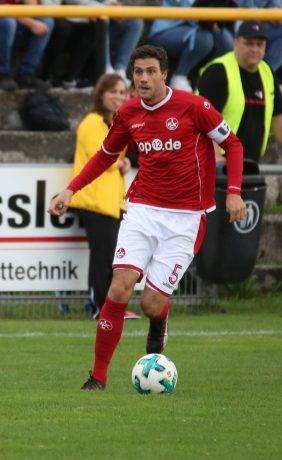 Benjamin Kessel am Ball beim Benefizspiel in Oppau, 31. August 2017