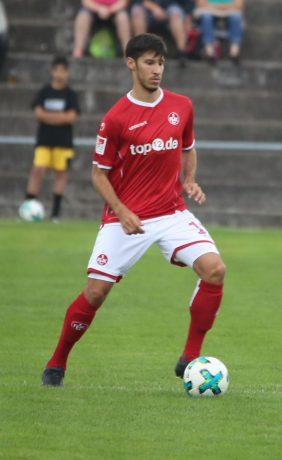 Marcel Correia am Ball beim Benefizspiel in Oppau, 31. August 2017