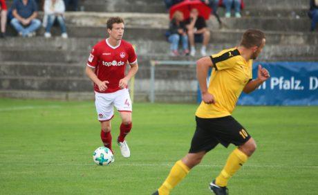 Patrick Ziegler am Ball beim Benefizspiel in Oppau, 31. August 2017