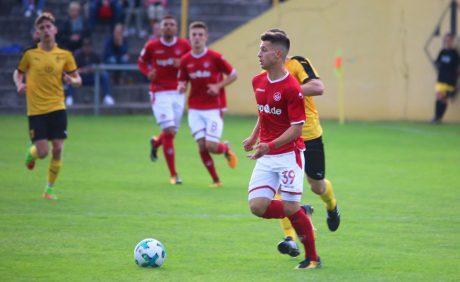 David Tomic am Ball beim Benefizspiel in Oppau, 31. August 2017