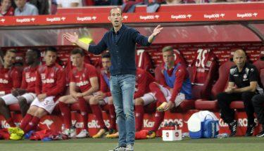 Jeff Strasser an der Seitenline (FCK - Greuther Fürth)
