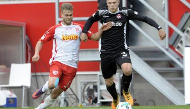 Joel Abu Hanna im Spiel in Regensburg