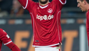 Jubel nach dem Tor zum 2:1: Torschuetze Lukas Spalvis (33/FCK) jubelt. Fussball 2.Bundesliga - Saison 2017/2018, 14.Spieltag: SG Dynamo Dresden - 1.FC Kaiserslautern in Dresden, Deutschland am 20.11.2017. *** Local Caption *** - copyright by : KUNZ / Annegret Hilse, Stuhlbruderhofstr 5, 67112 Mutterstadt, Germany. DE52545100670166623671, Tel.+49-(0)6234-4530 , presse@foto-kunz.de