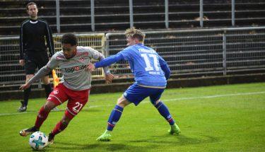 Phillipp Mwene im Test gegen Mainz 05 II