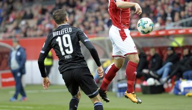 Kapitän Daniel Halfar im Spiel gegen Arminia Bielefeld