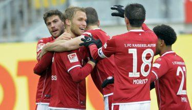 Sebastian Andersson, Benjamin Kessel, Stipe Vucur, Christoph Moritz und Phillipp Mwene beim Torjubel zum 1:0 gegen Ingolstadt