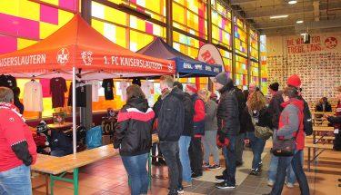Die Fan-Tombola in der Karlsberg Fanhalle Nord
