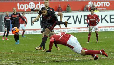 Sebastian Andersson erzieht das 1:0 im Spiel gegen den FC Ingolstadt