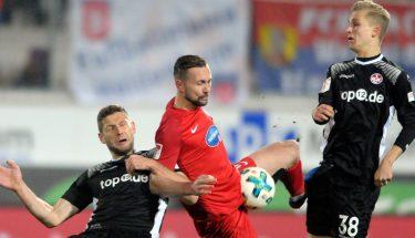 Stipe Vucur und Nils Seufert beim Spiel gegen Heidenheim.