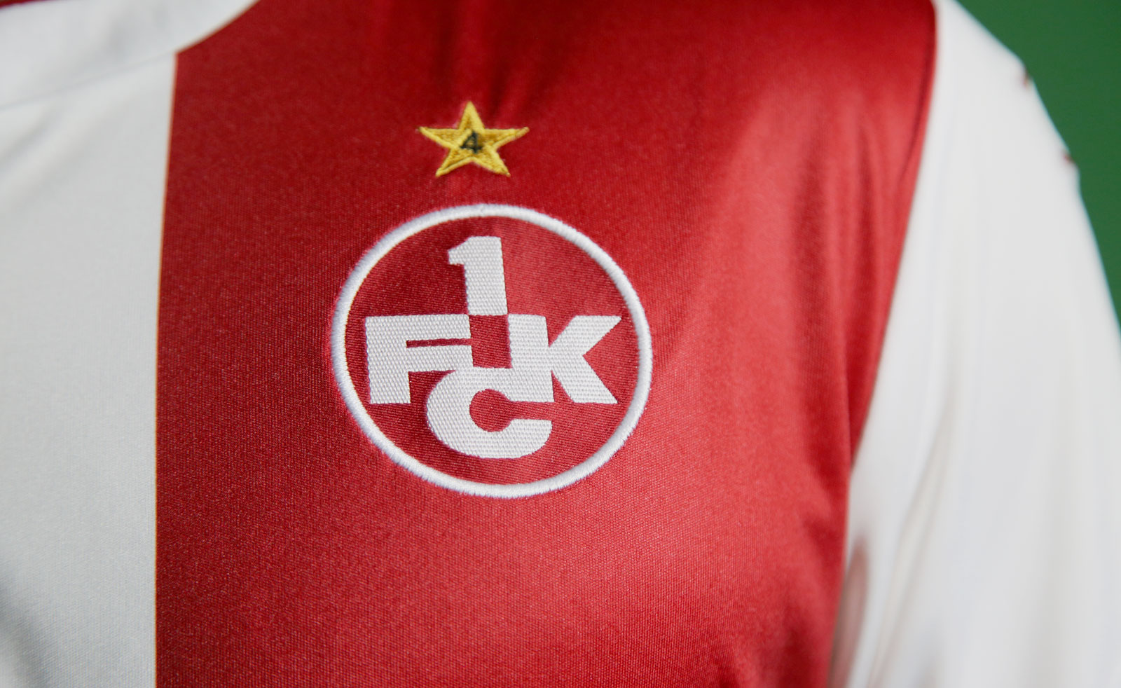 Mit Stern auf der Brust und dem Teufel im Nacken – das neue FCK ...
