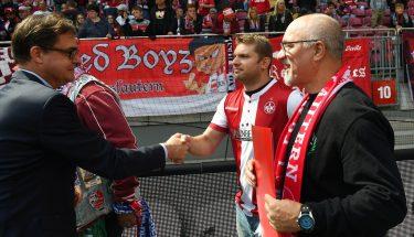 Ehrungen der Fanclubjubilare beim Heimspiel gegen den Karlsruher SC