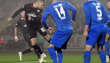 Julius Biada erzielt das 1:0 im Verbandspokalspiel beim TSV Gau-Odernheim