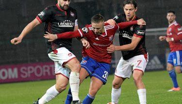 Florian Dick und Mads Albaek im Spiel bei der SpVgg Unterhaching