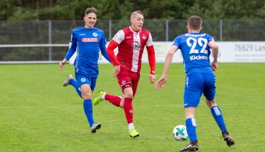 Jannis Held im Spiel der U19 gegen die Stuttgarter Kickers