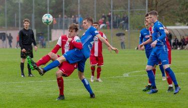Leon Hotopp im Spiel der U19 gegen die Stuttgarter Kickers