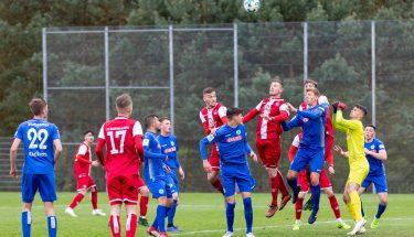 Eckball im Spiel der U19 gegen die Stuttgarter Kickers