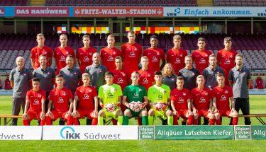 Mannschaftsfoto der FCK-U17 der Saison 2019/20