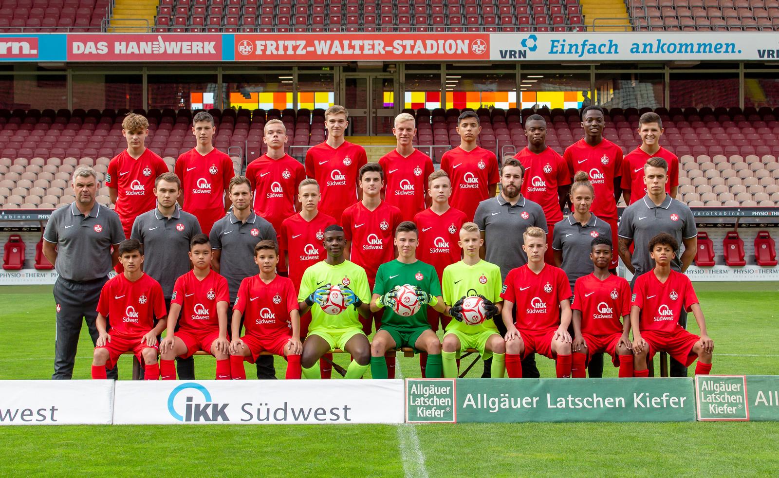 Mannschaftsfoto der FCK-U15 der Saison 2019/20