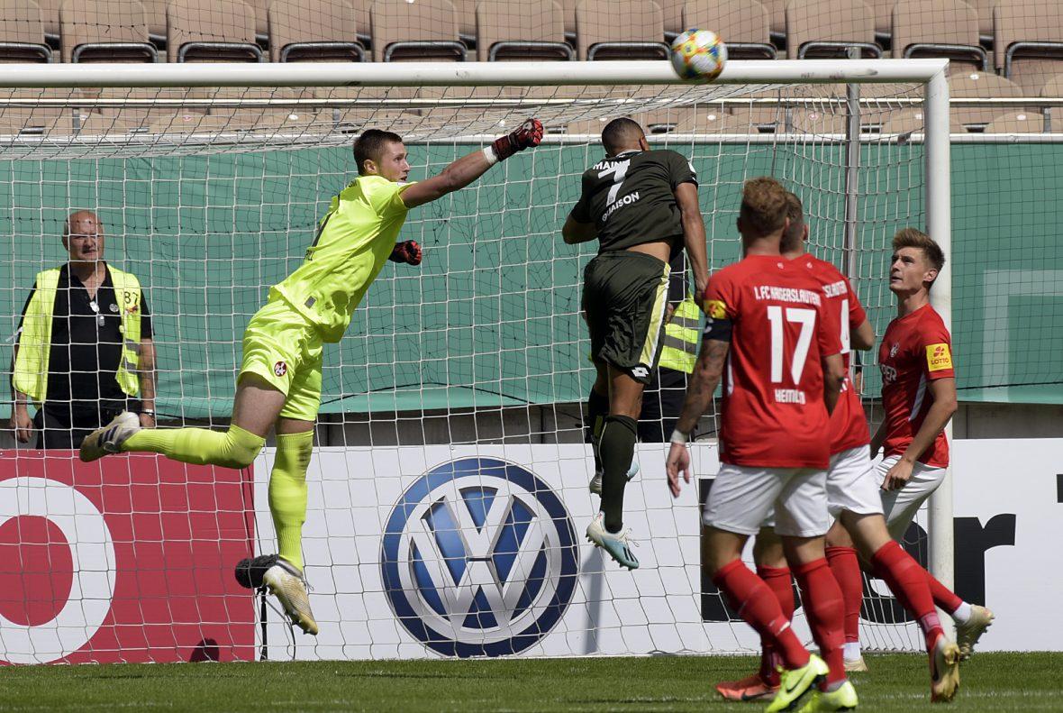 Lennart Grill im DFB-Pokalheimspiel gegen Mainz 05