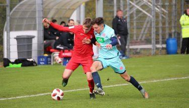 Neal Gibs im Spiel der U19 gegen Mainz 05
