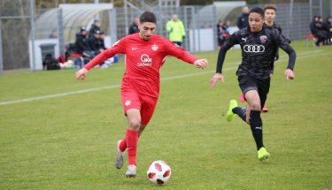 Kenan Dogan im Spiel der FCK-U19 gegen den FC Ingolstadt