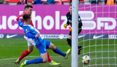 Christian Kühlwetter erzielt das 2:1 im Heimspiel gegen Meppen