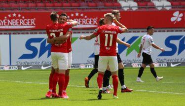 Torjubel nach dem 1:0 von Christian Kühlwetter im Heimspiel gegen Viktoria Köln