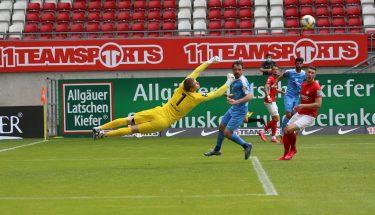 Chemnitz-Keeper Jakub Jakubov in Aktion
