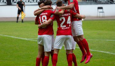 Torjubel nach dem 1:0 von Lucas Röser im Heimspiel gegen den Chemnitzer FC