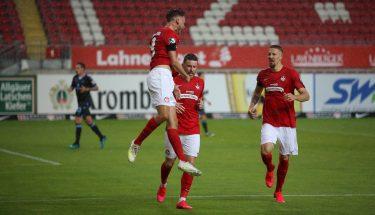 Torjubel von Lucas Röser nach dem 1:0 gegen den TSV 1860 München
