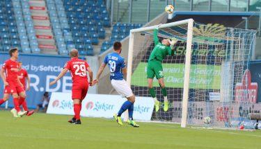 Avdo Spahic pariert im Auswärtsspiel in Rostock