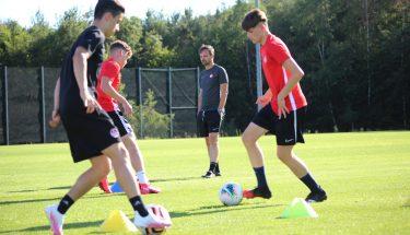 Trainingsauftakt bei der U17