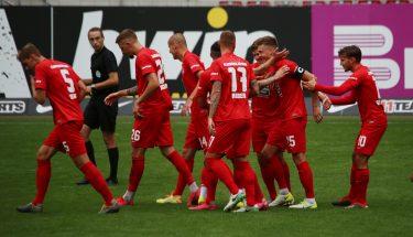 Torjubel nach Carlo Sickingers 1:0 im Testspiel gegen den SV Sandhausen
