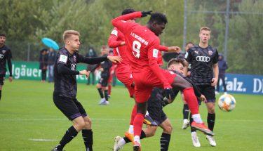 Saydou Bangura im Heimspiel der U19 gegen den FC Ingolstadt