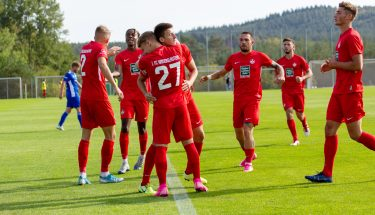 Torjubel von Maxi Fesser und Tom Woiwod beim 4:1-Heimsieg der U21 gegen den TSV Emmelshausen