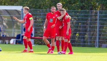 Torjubel von Kevin Klein und Maxi Fesser beim 4:1-Heimsieg der U21 gegen den TSV Emmelshausen