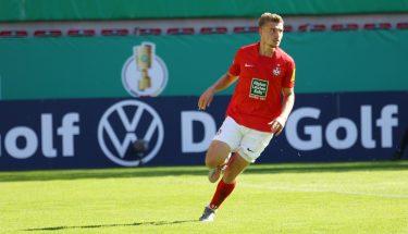 Elias Huth im Pokalspiel gegen Jahn Regensburg