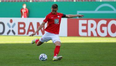 Carlo Sickinger im Pokalspiel gegen Jahn Regensburg