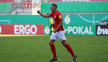 Torjubel von Kevin Kraus nach dem 1:1 im Pokalspiel gegen Jahn Regensburg