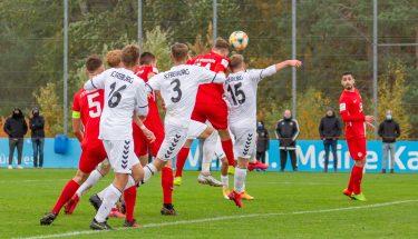 Lukas Preuß erzielt den Ausgleich im Heimspiel der U19 gegen den SC Freiburg