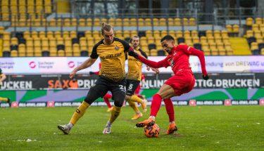 Zweikampf zwischen Sebastian Mai und Kenny Prince Redondo in der Partie bei Dynamo Dresden © Dennis Hetzschold