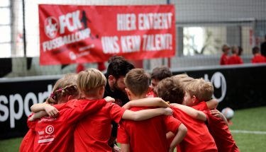 Mannschaftskreis beim FCK-Fußballcamp 2018