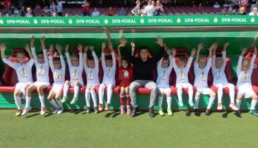 Beim DFB-Pokalspiel stellte die TEUFELSBANDE einen Teil der Einlaufkinder