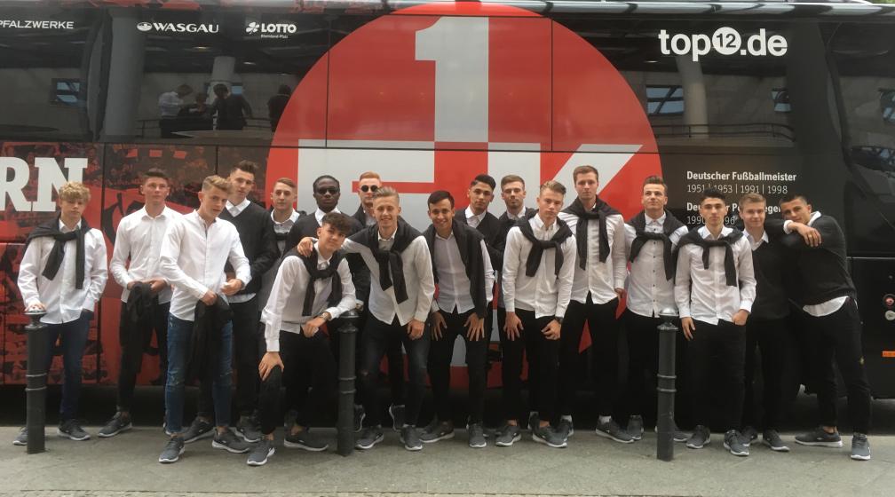 Die FCK-U19 beim Pokalfinale 2018 in Berlin